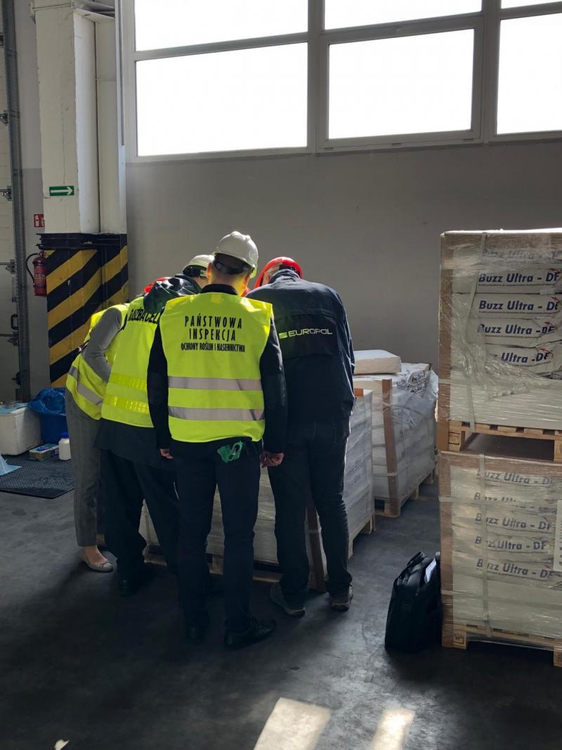 Europol apreende 71 toneladas de fitofármacos ilegais em Portugal